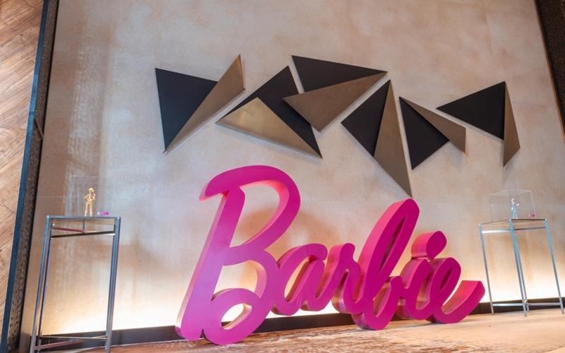 Bộ sưu tập búp bê Barbie hiếm 60 năm trưng bày ở khách sạn