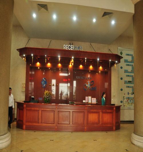 Lễ tân khách sạn Xanh Cửa Lò