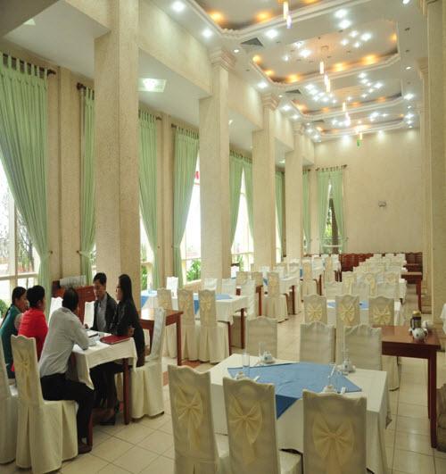Nhà hàng khách sạn Xanh Cửa Lò