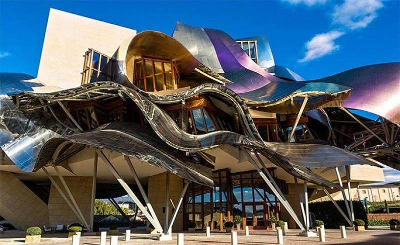 kiến trúc siêu thực