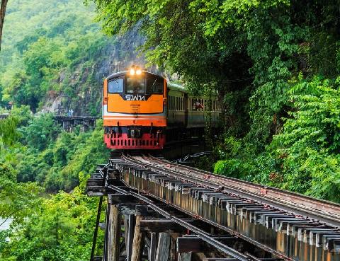 Death Railway - tuyến đường sắt kiên cố kéo dài tới Myanmar.