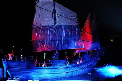 Hình ảnh con thuyền ra khơi