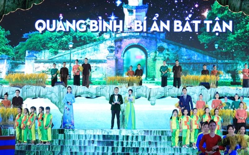 Sôi nổi đêm hội hang động Quảng Bình