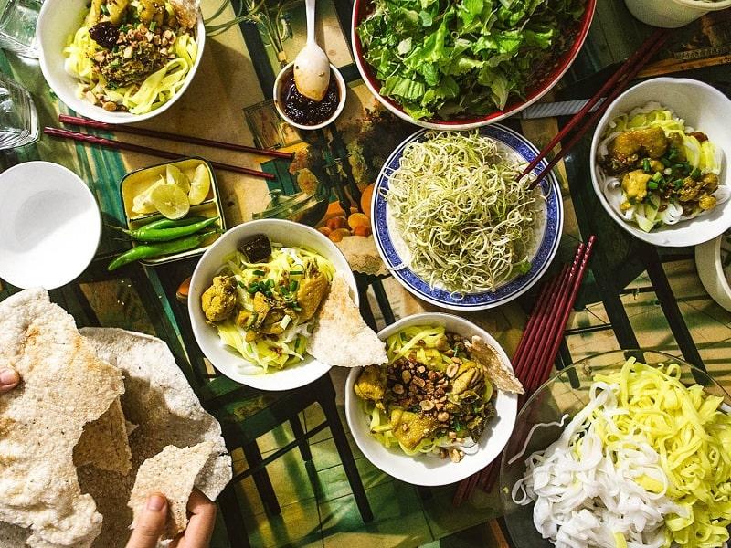 Mì quảng cũng là món ăn du nhập từ tỉnh Quảng Nam để tới với nền ẩm thực Đà Nẵng