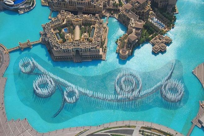 Ngam dai phun nuoc lon nhat the gioi o Dubai