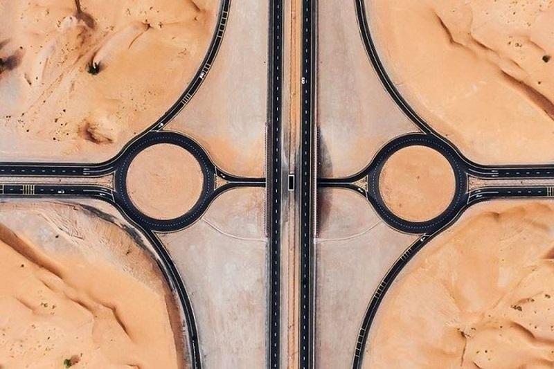 Quốc gia Trung Đông UAE là một đất nước giàu có với hệ thống hạ tầng giao thông phát triển.
