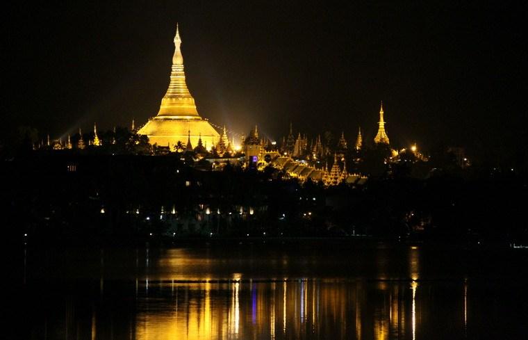 Chùa Vàng Shwedagon ở Yangoon -12