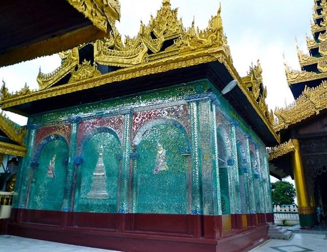 ngôi chùa bọc 60 tấn vàng