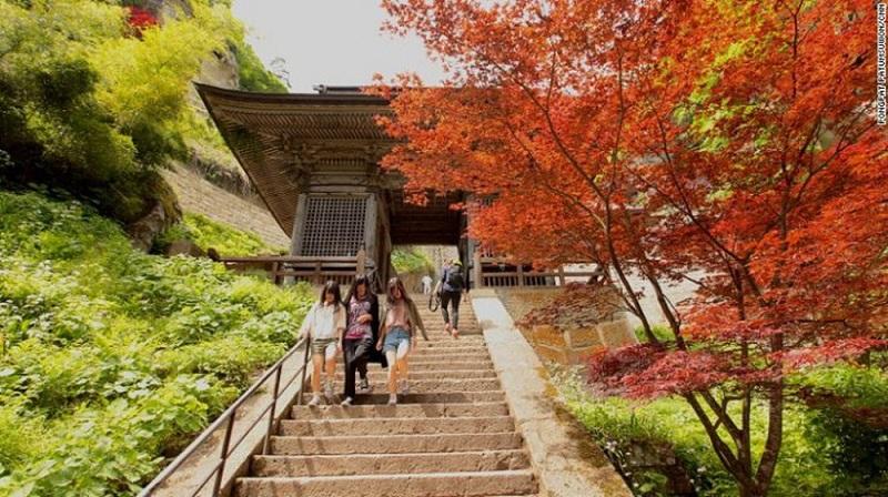 Cổng Niomon – Trên quãng đường dài