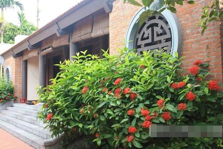 Về thăm nhà cổ sang trọng của danh hài Xuân Hinh