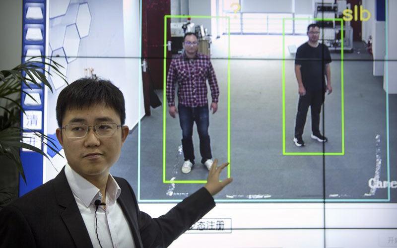 công nghệ nhận dạng khách du lịch