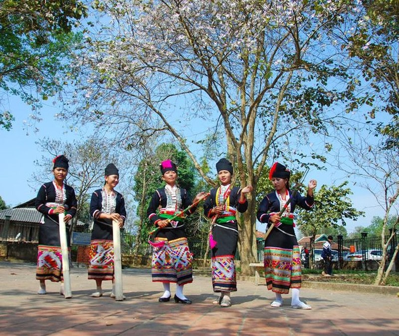 Lễ hội nhằm quảng bá cho du lịch Tây Bắc và sẽ trưng bày 300 cây hoa ban từ Tây Bắc