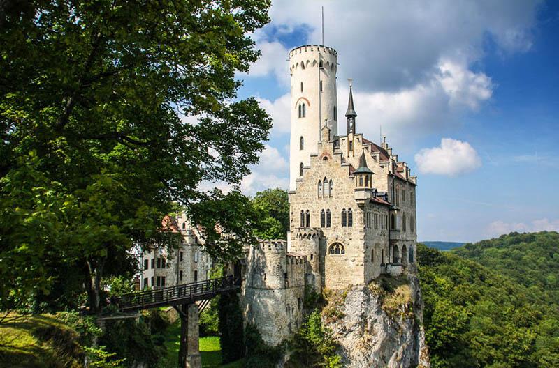 Điểm danh những tòa lâu đài huyền thoại của nước Đức