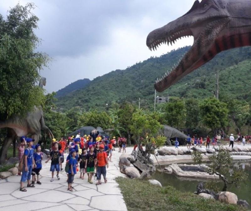 công viên nước Núi Thần Tài