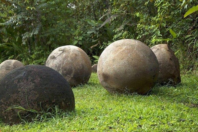 Bí ẩn về những viên đá đến nay vẫn chưa có lời giải