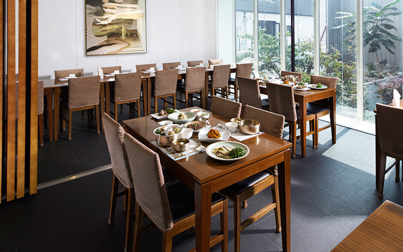 10 quán đạt sao Michelin du khách có thể ăn mà không nhìn giá