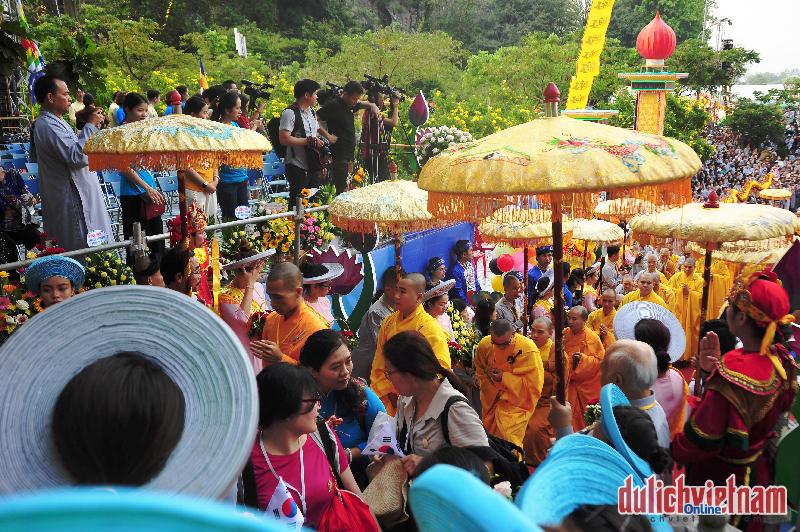 Hàng nghìn tín đồ phật tử hành hương Lễ Hội Quan thế âm Đà Nẵng