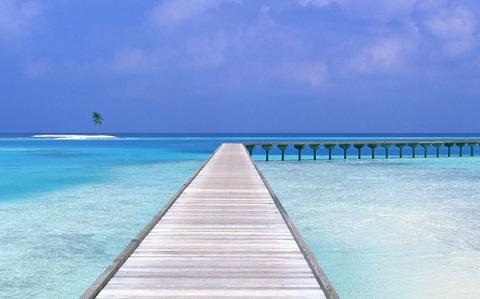 Nước biển trong xanh