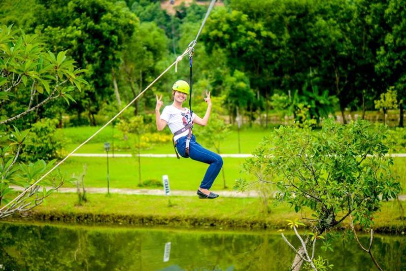 Vui chơi xả ga tại khu du lịch suối nước nóng Thanh Tân