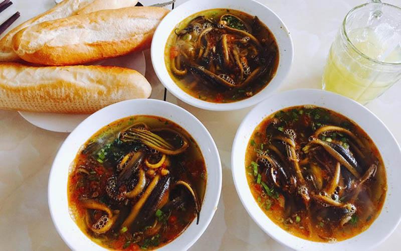 Về Nghệ An đừng quên thưởng thức món súp lươn cay thơm ngon đúng điệu