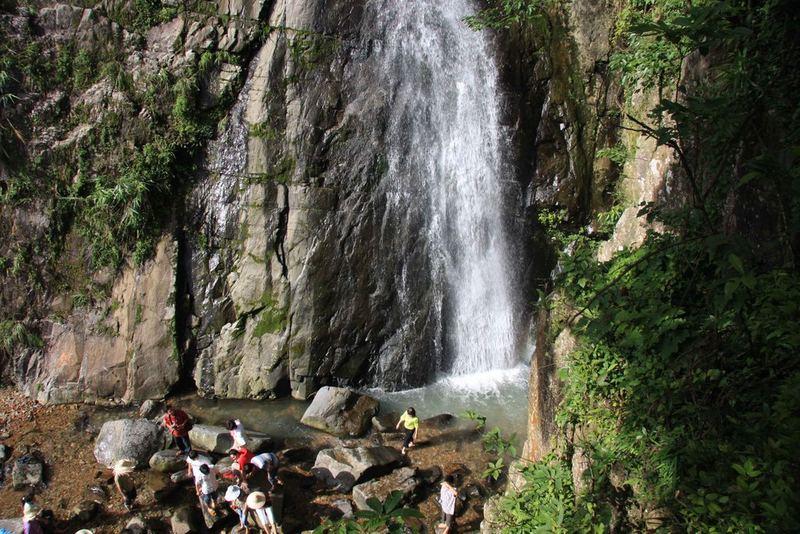Tắm suối, thác ở vườn quốc gia Tam Đảo phải chú ý, cẩn thận dễ bị trơn trượt