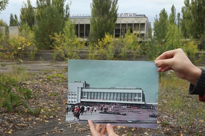 Quảng trường ở Pripyat tấp nập trong quá khứ và đìu hiu ở hiện tại