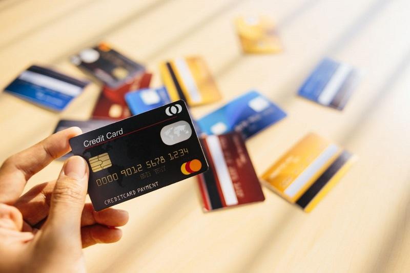 mang thẻ khi du lịch châu Âu