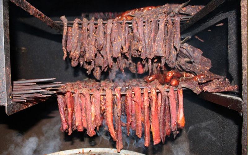 Thịt trâu gác bếp - đặc sản núi rừng Tây Bắc