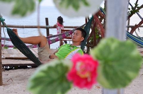 Thư giãn, nghỉ ngơi, hít thở gió biển quả là tuyệt vời