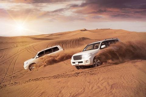 Dubai có một vùng sa mạc rộng lớn và nóng bỏng