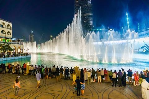 Chương trình nhạc nước trước tháp Burj Khalifa