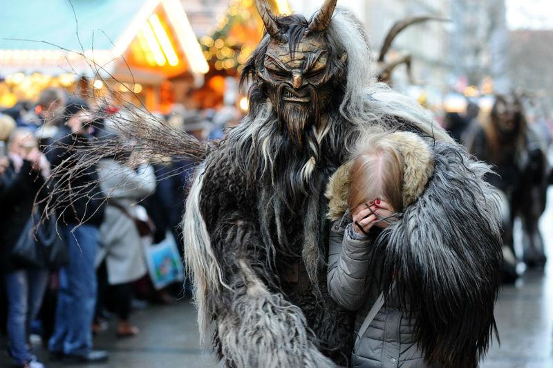 7 truyền thống kỳ lạ trên thế giới có thể bạn chưa biết tới