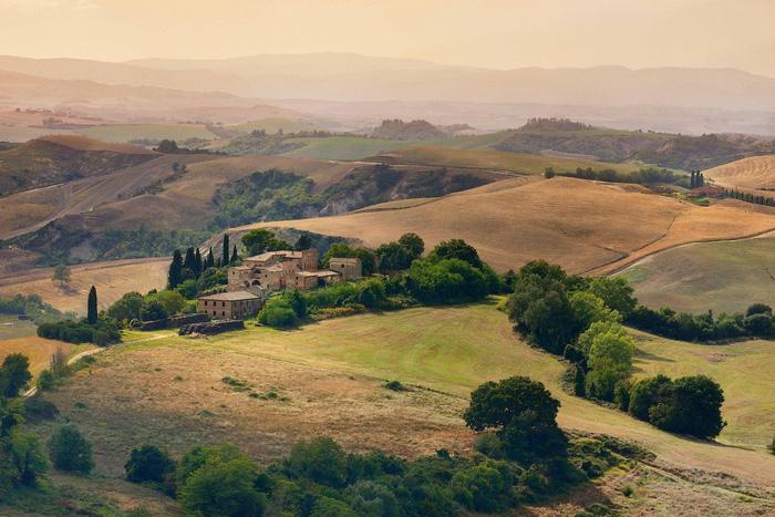 Vào mùa khô Tuscany vẫn đẹp đến mơ màng