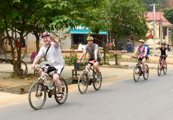 Đi xe đạp tham quan