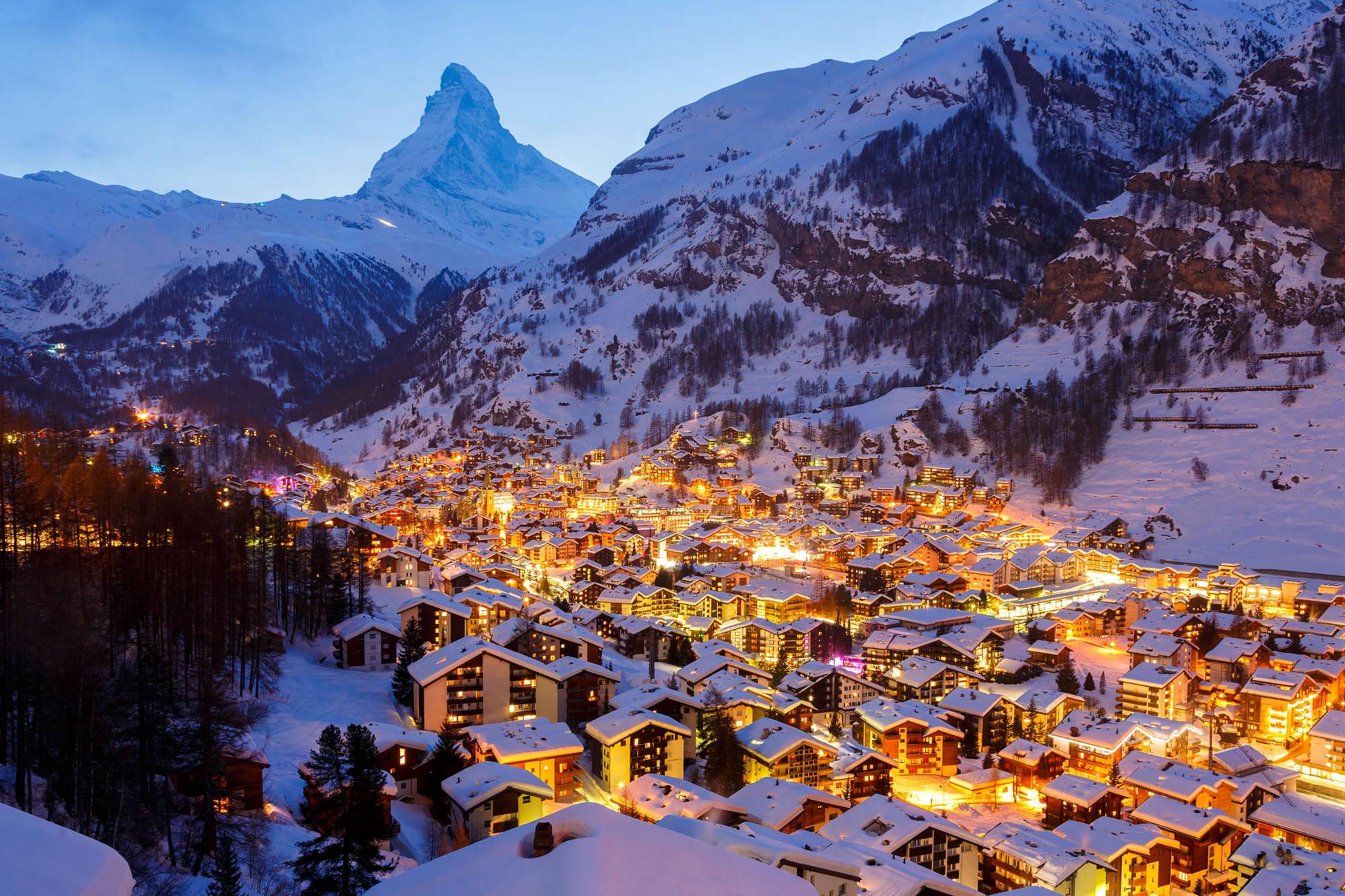 Du lịch năm châu: Làng Zermatt Thụy Sĩ - điểm đến hấp dẫn chìm trong tuyết  trắng