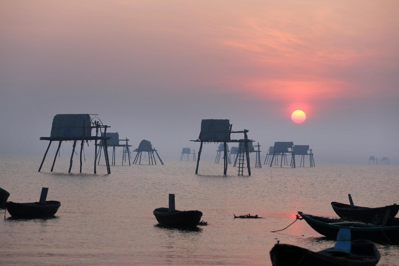 Bình minh trên bãi biển Đồng Châu tuyệt đẹp