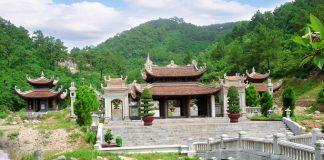 ngôi chùa nổi tiếng nhất tại Quảng Ninh