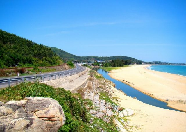 Sa Huynh Beach - the most famous tourist destination in Quang Ngai