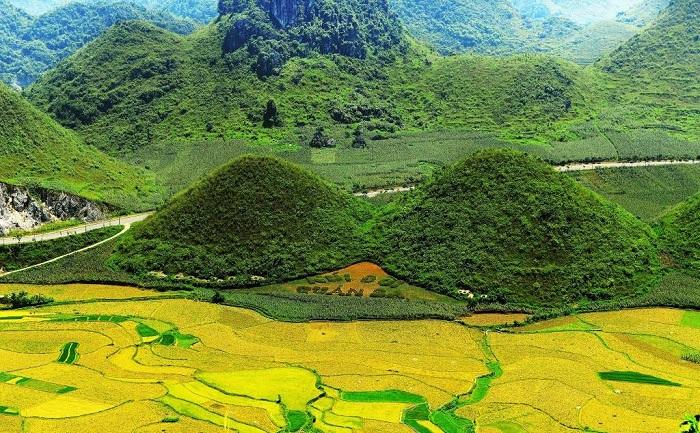 Núi đôi Quản Bạn - kinh nghiệm du lịch Lũng Cú