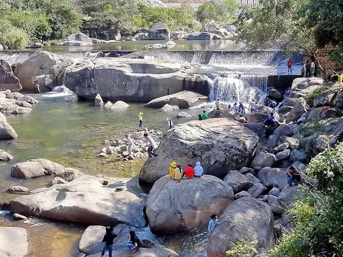 du lịch vườn quốc gia Chư Yang Sin Đắk Lắk khám phá Thác Krông Kmar