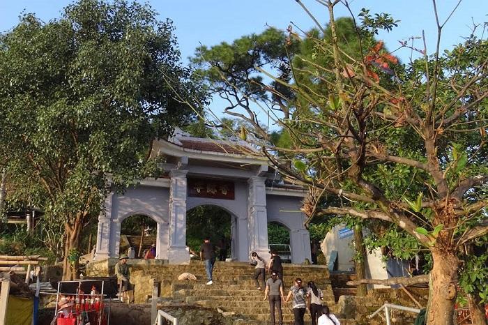 tham quan chùa Hương Tích Hà Tĩnh