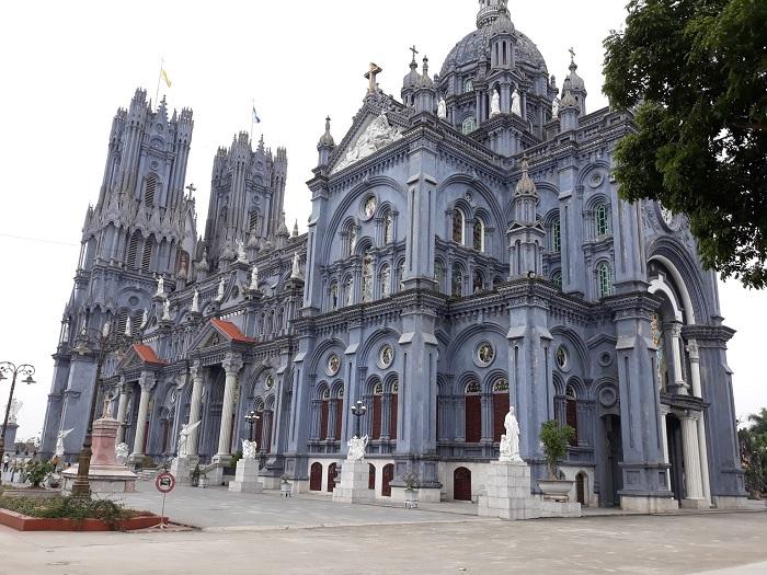 Nhà thờ Bác Trạch - địa điểm du lịch nổi tiếng ở Thái Bình