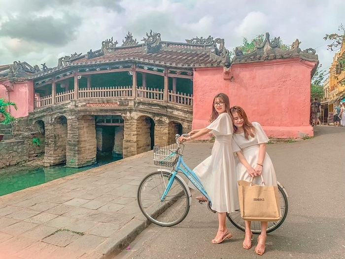 Cau Pagoda - a beautiful check-in place in Hoi An