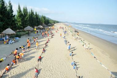 Hà Nội - Biển Hải Tiến - Kết Hợp Ninh Bình - Eureka Linh Trường Resort 3 Ngày
