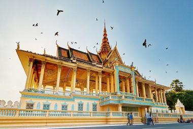 Quy Nhơn - HCM - PhomPhenh 2 ngày 1 đêm