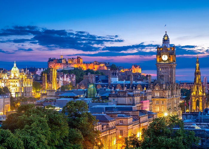 Edinburgh-skyline_1