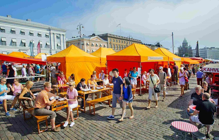HELSINKI_square_market
