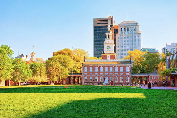 Independence-Hall-in-Philadelphia_1067169869
