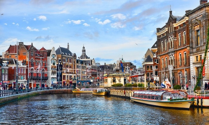 amsterdam-netherlands-canal