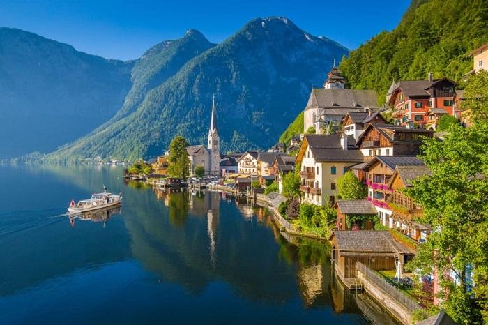 hallstatt-austria-shutterstock_583691665-1024x683_1
